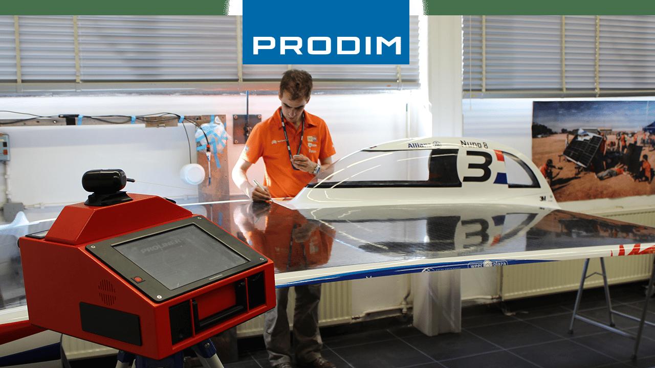 Appareil de mesure numérique Prodim Proliner - Utilisé pour le contrôle qualité de Nuna 8, la voiture solaire de l'équipe de course Nuon